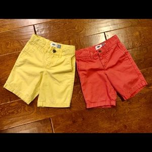 Old navy chino shorts (2) size 4T